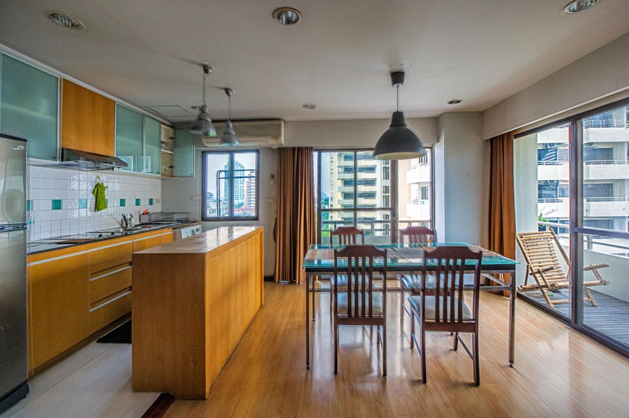 Piri Property Agency's Spacious and Fully Renovated 2 Bedroom Condo in Nana 3
