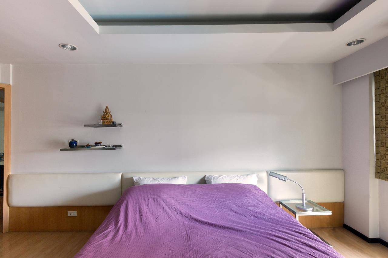 Piri Property Agency's Spacious and Fully Renovated 2 Bedroom Condo in Nana 11