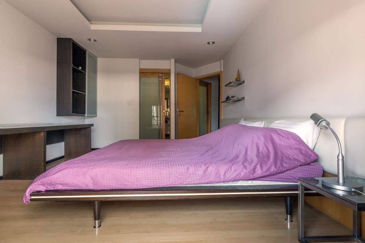 Piri Property Agency's Spacious and Fully Renovated 2 Bedroom Condo in Nana 10