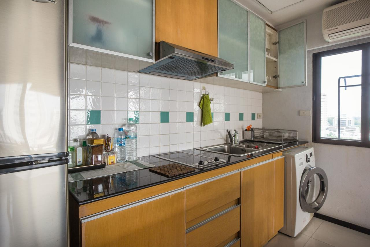 Piri Property Agency's Spacious and Fully Renovated 2 Bedroom Condo in Nana 4