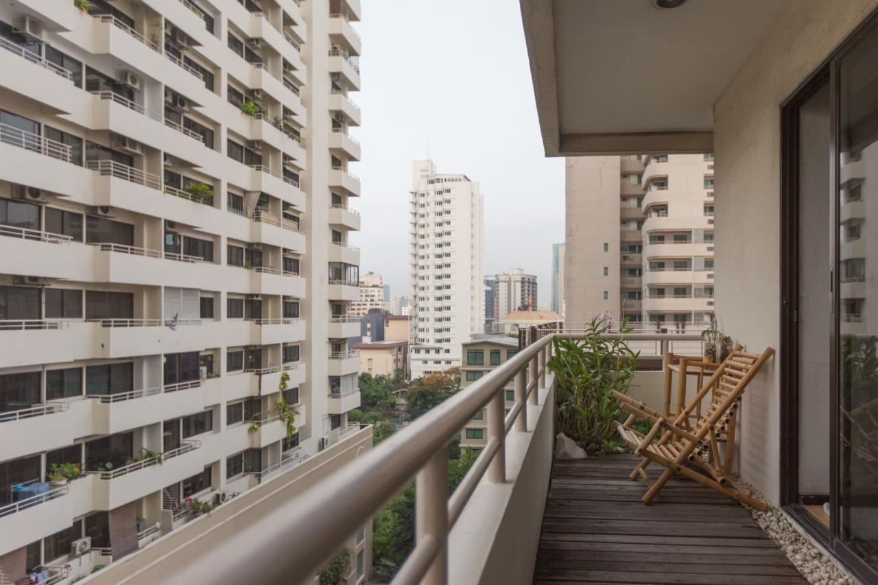 Piri Property Agency's Spacious and Fully Renovated 2 Bedroom Condo in Nana 17
