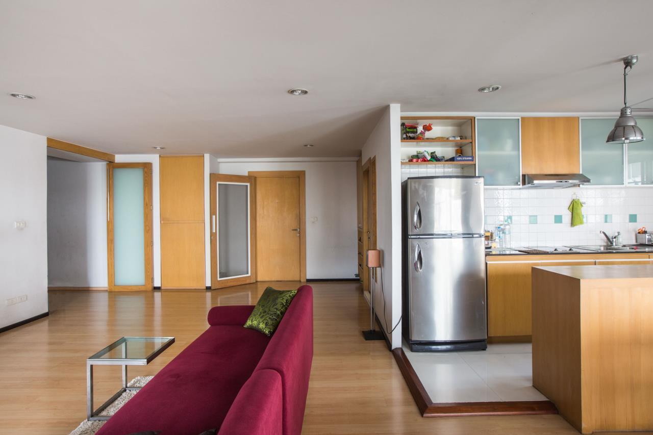 Piri Property Agency's Spacious and Fully Renovated 2 Bedroom Condo in Nana 6