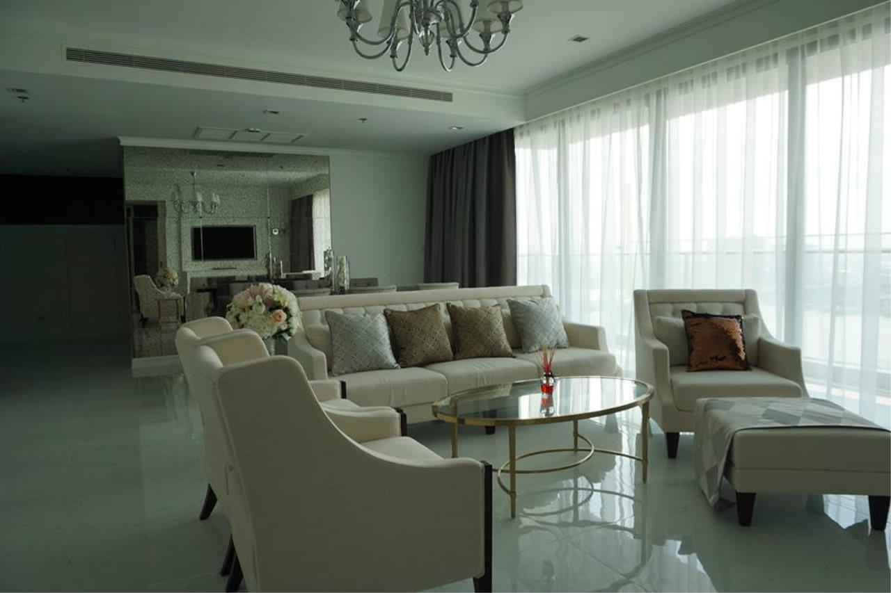 Piri Property Agency's 3 bedrooms Condominiumon 26 floor For Rent 2