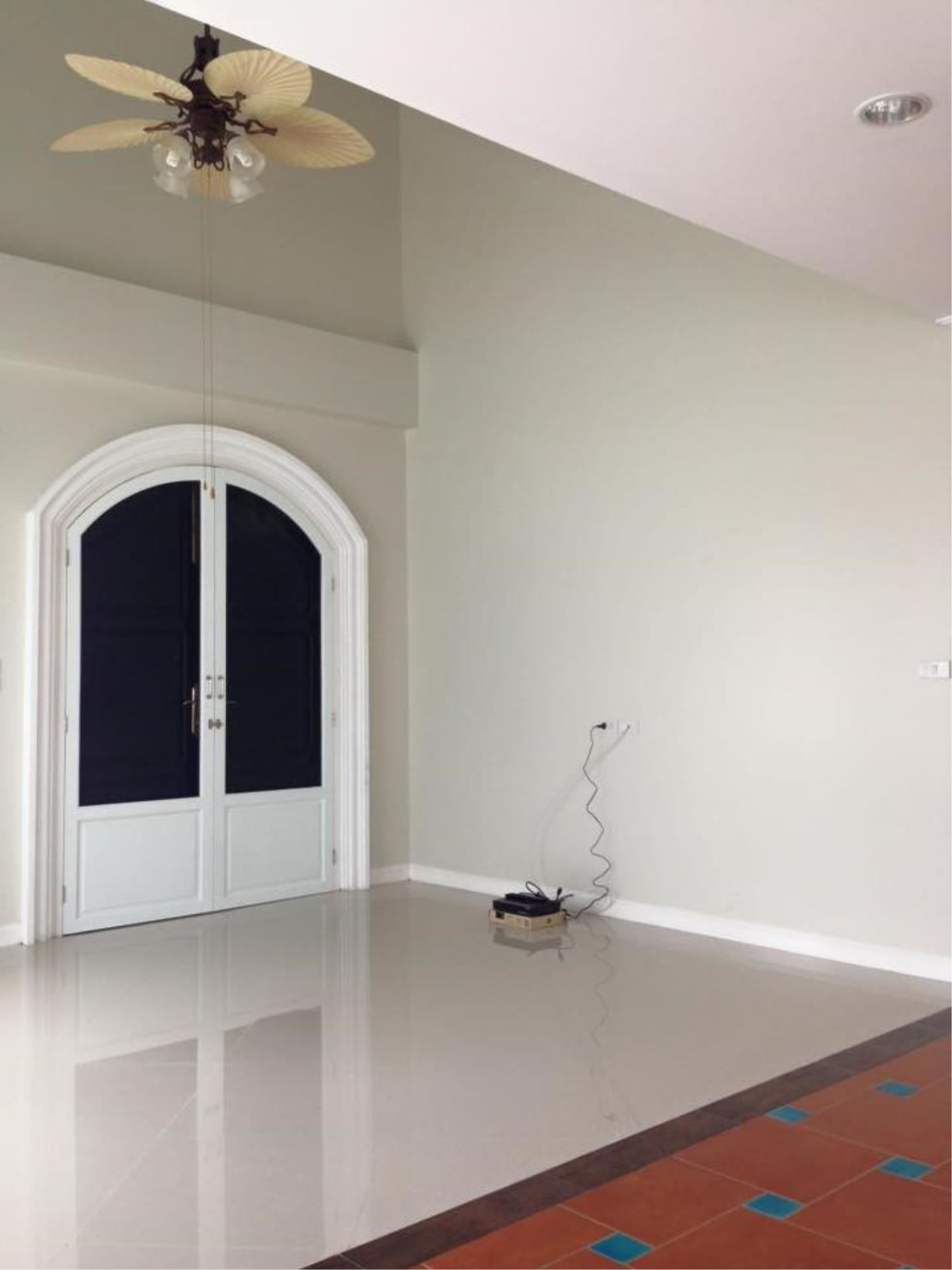 Piri Property Agency's 3 Plus 1 Bedroom Single House for Rent - Fantasia Villa 3