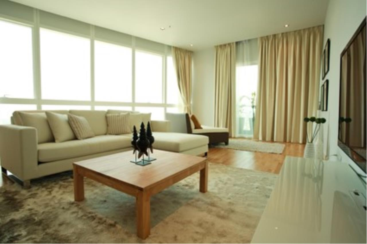 Piri Property Agency's 3 bedrooms Condominiumon 40 floor For Rent 1
