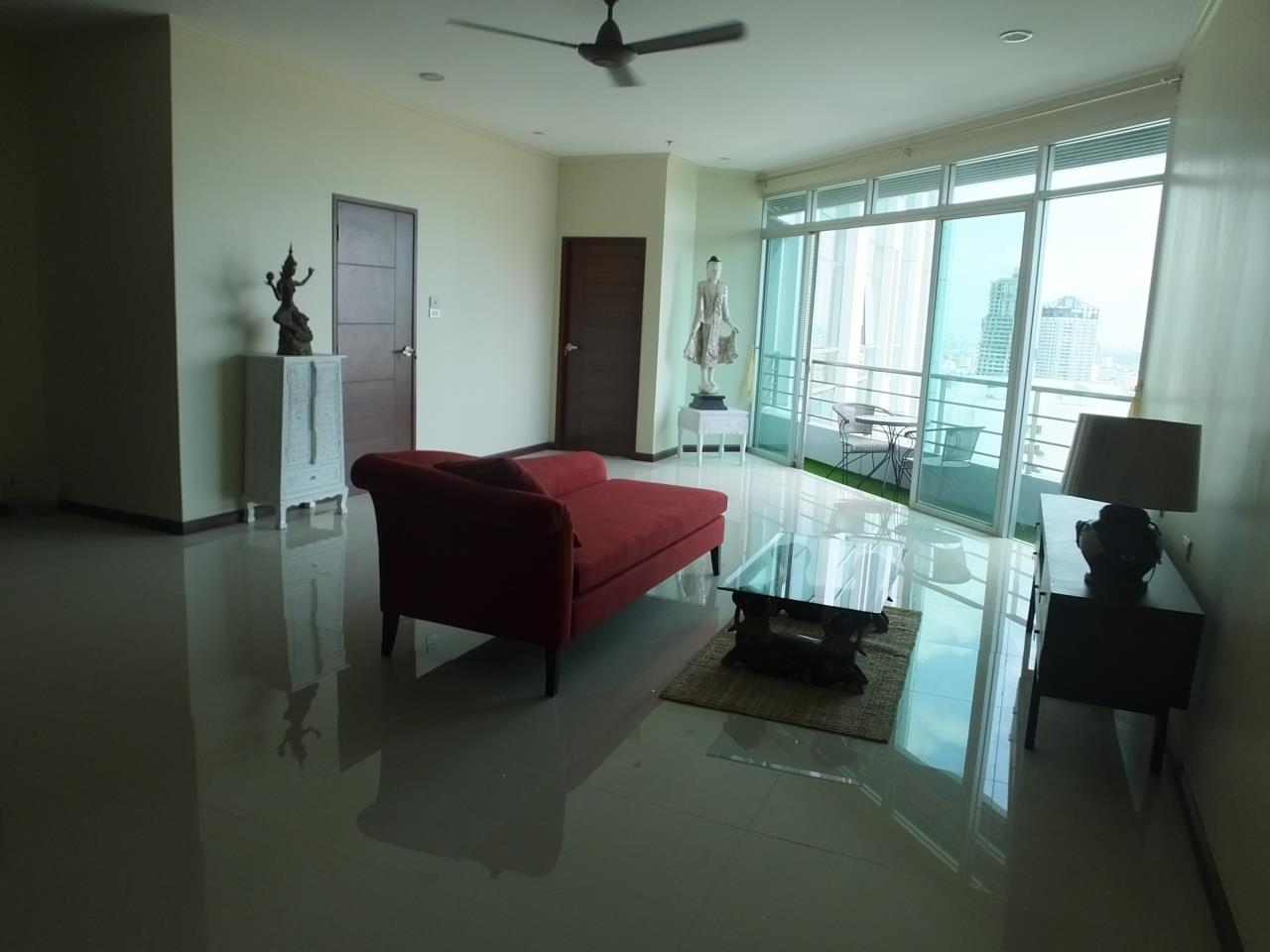 Piri Property Agency's 3 bedrooms CondominiumFor Rent 3