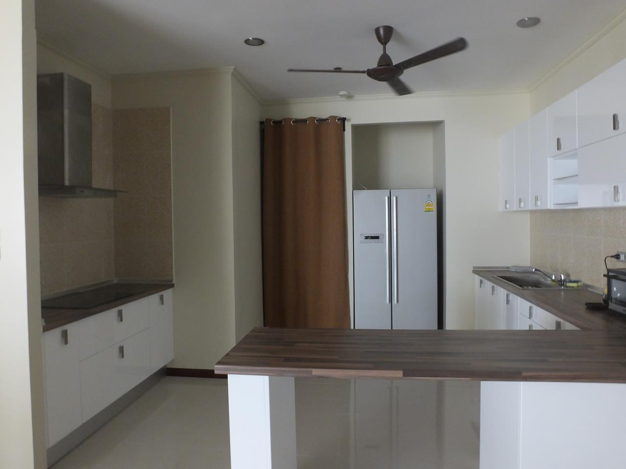 Piri Property Agency's 3 bedrooms CondominiumFor Rent 9