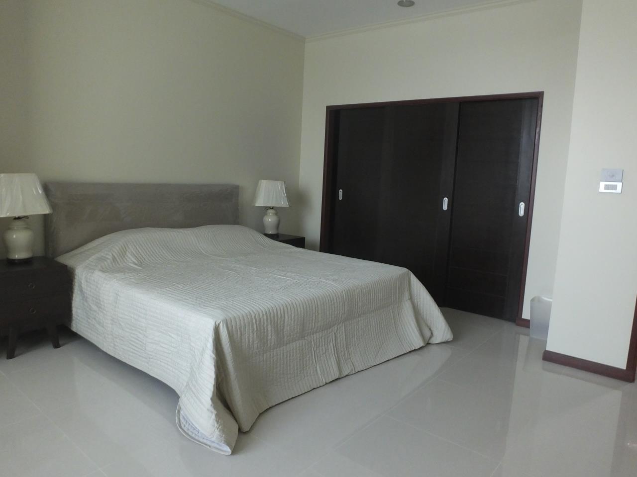 Piri Property Agency's 3 bedrooms CondominiumFor Rent 15
