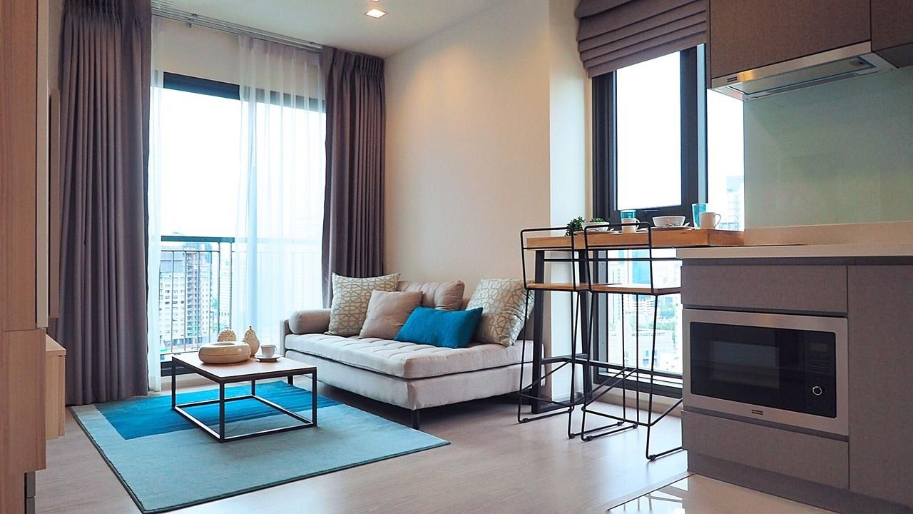 Piri Property Agency's one bedroom Condominiumon 24 floor For Rent 1