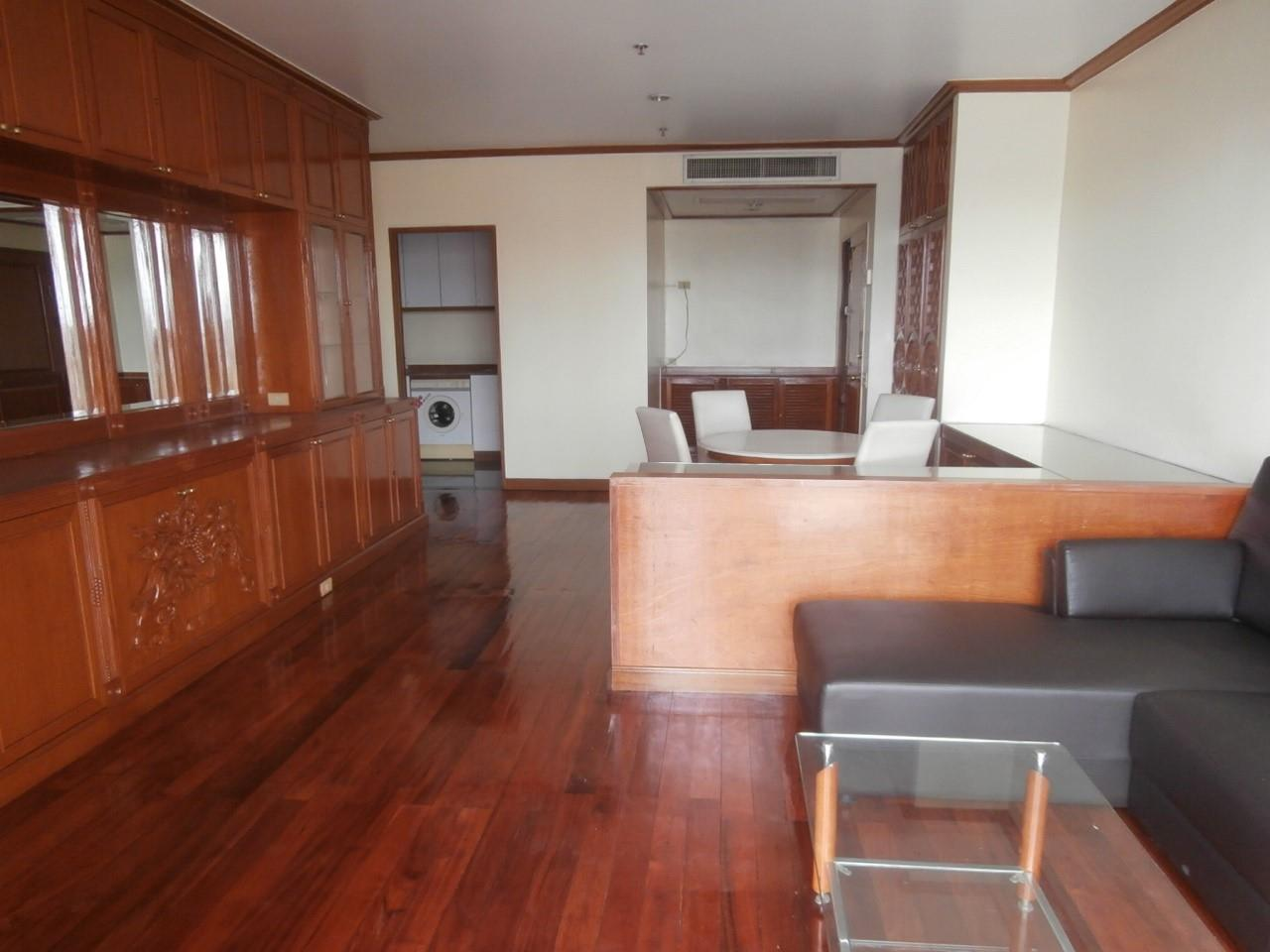 Piri Property Agency's one bedroom Condominiumon 11 floor For Rent 1