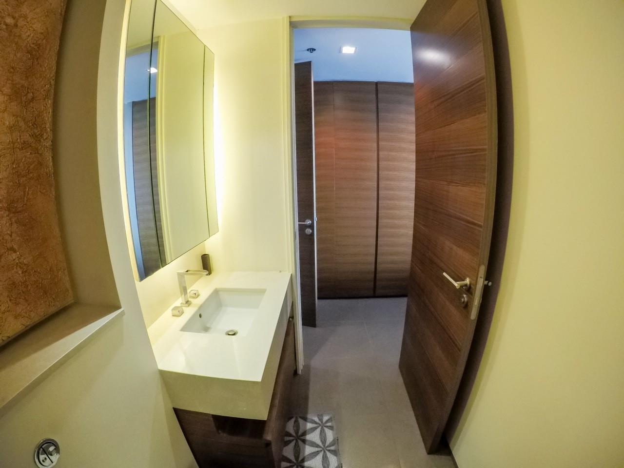 Piri Property Agency's 3 bedrooms Condominiumon 49 floor For Sale 13
