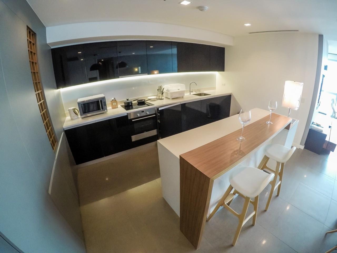 Piri Property Agency's 3 bedrooms Condominiumon 49 floor For Sale 5