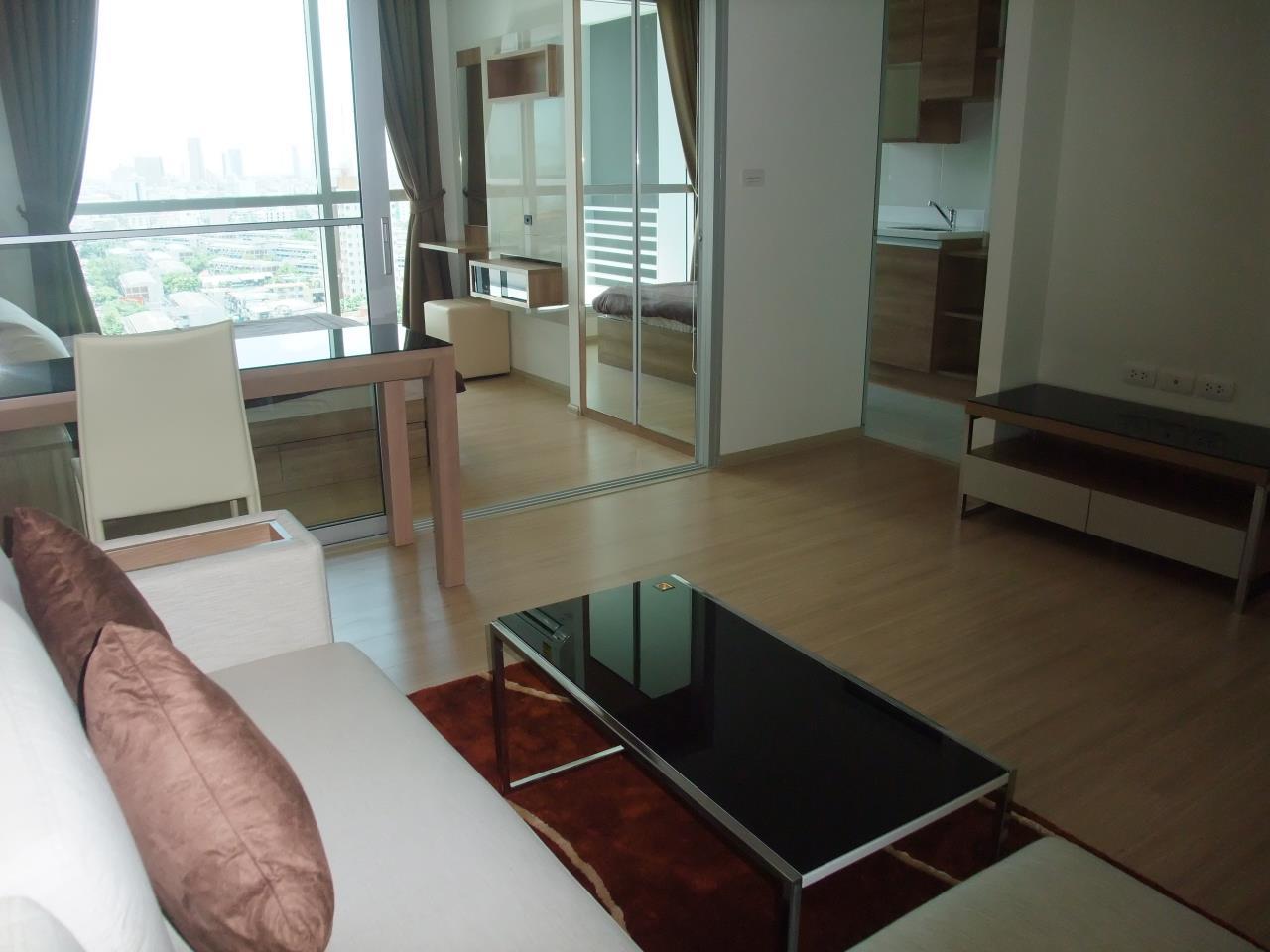 Piri Property Agency's one bedroom Condominiumon 18 floor For Rent 1
