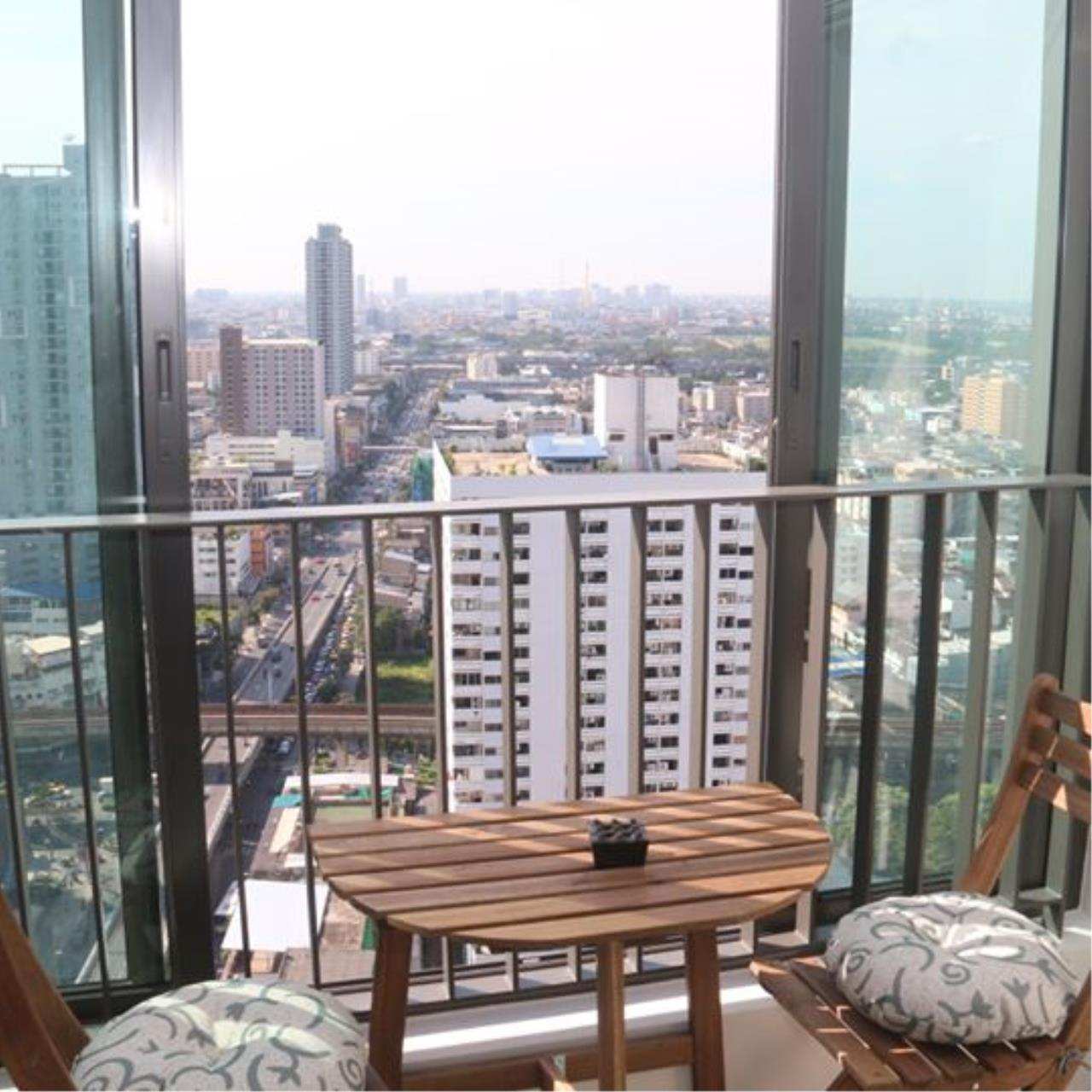 Piri Property Agency's 2 bedrooms Condominium  on 27 floor For Sale 2 7