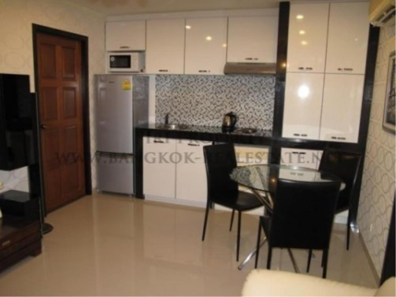 Piri Property Agency's Regent On The Park 1 - Fully furnished one bedroom Condo for Sale 3