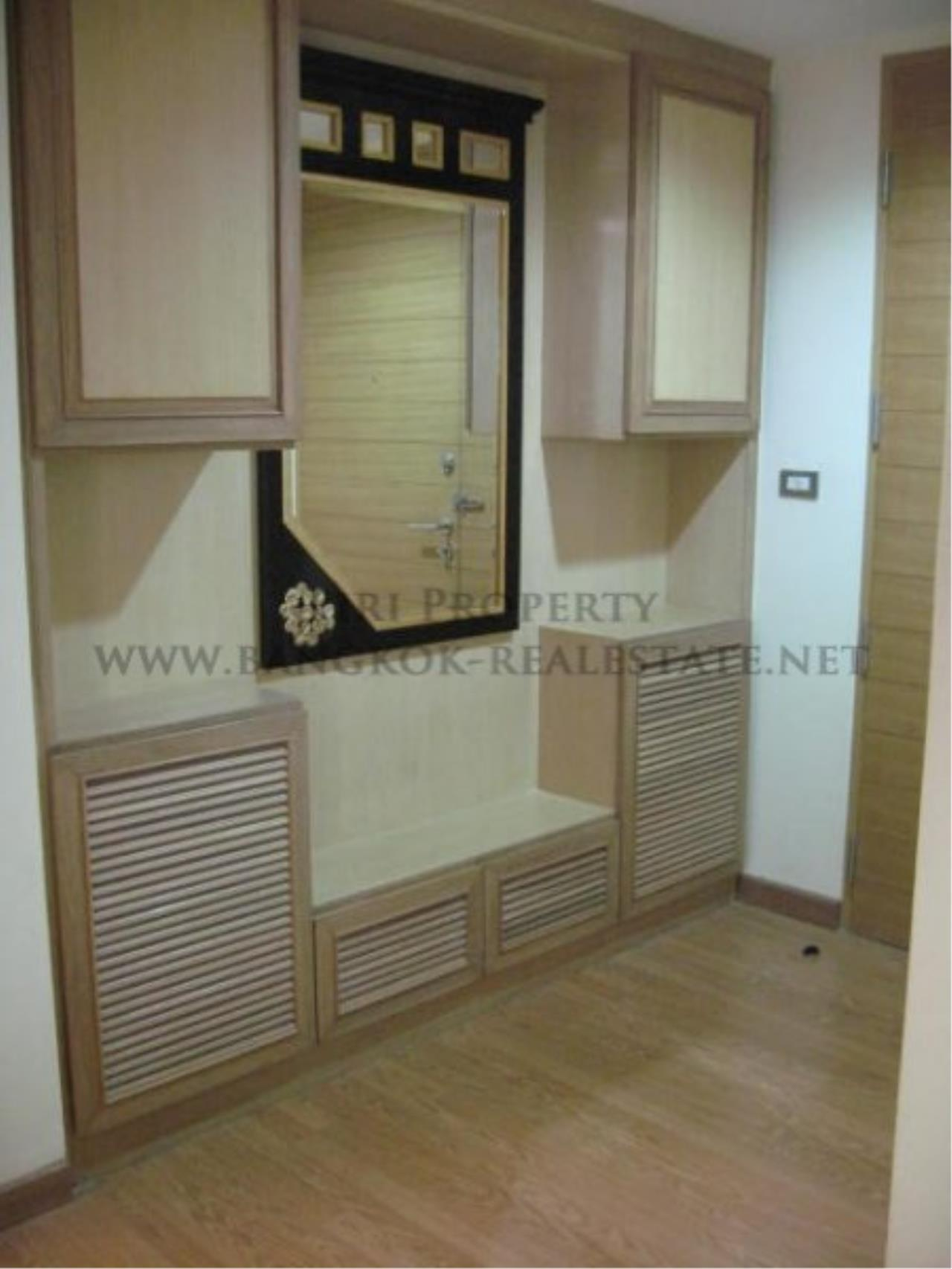 Piri Property Agency's Two Bedroom Condo with direct pool access - 59 Heritage in Ekkamai for Sale 5