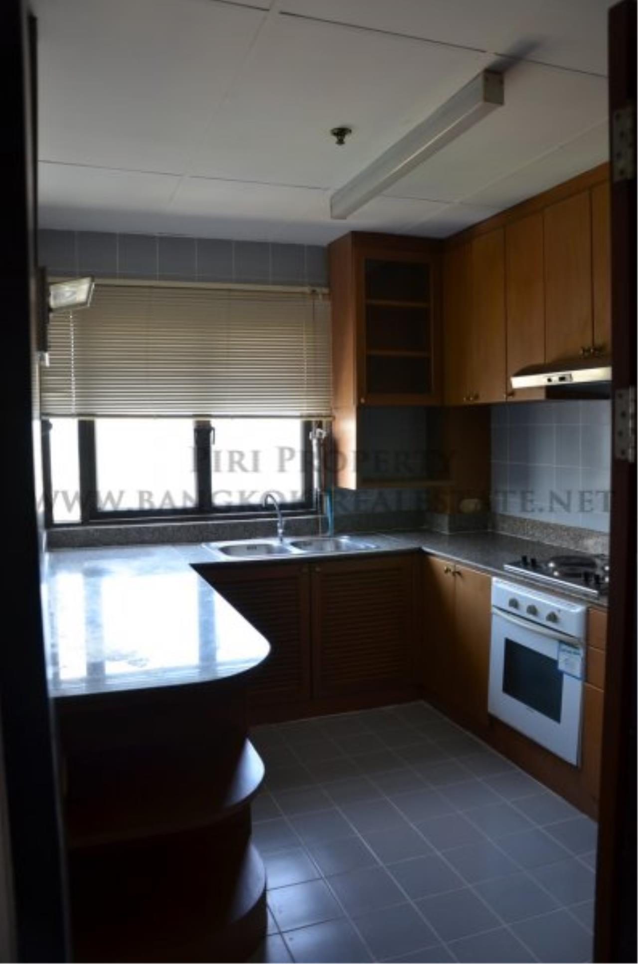 Piri Property Agency's Spacious 3 Bedroom Condo in Ekkamai - 128 SQM for 50K - Top View Tower - 30th Floor 11