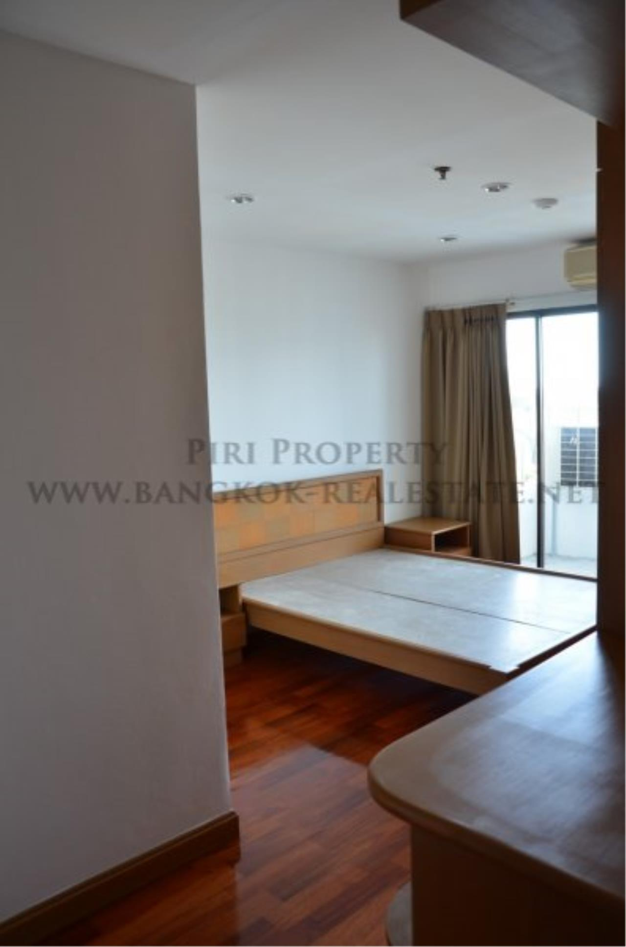 Piri Property Agency's Spacious 3 Bedroom Condo in Ekkamai - 128 SQM for 50K - Top View Tower - 30th Floor 15