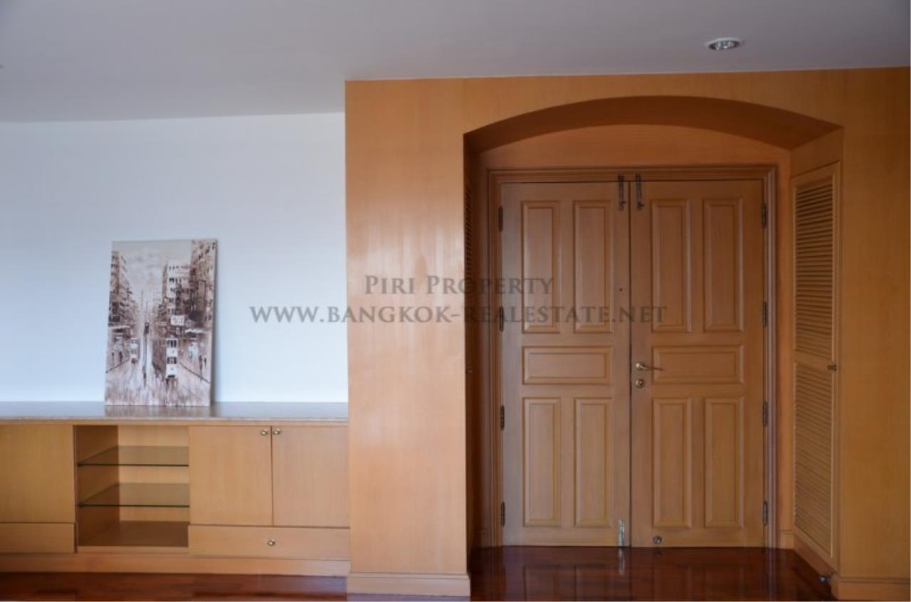 Piri Property Agency's Spacious 3 Bedroom Condo in Ekkamai - 128 SQM for 50K - Top View Tower - 30th Floor 12