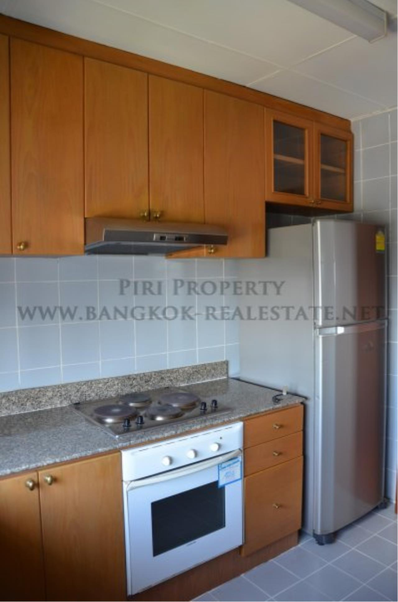 Piri Property Agency's Spacious 3 Bedroom Condo in Ekkamai - 128 SQM for 50K - Top View Tower - 30th Floor 10