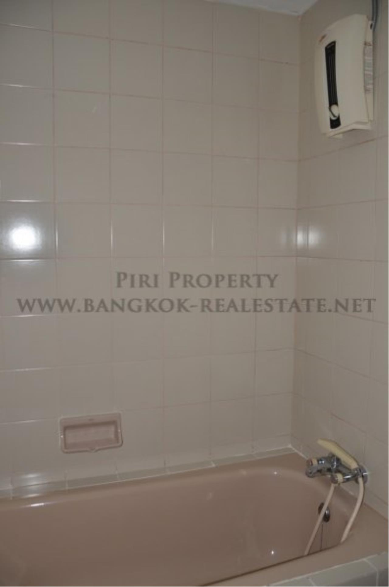Piri Property Agency's Spacious 3 Bedroom Condo in Ekkamai - 128 SQM for 50K - Top View Tower - 30th Floor 14