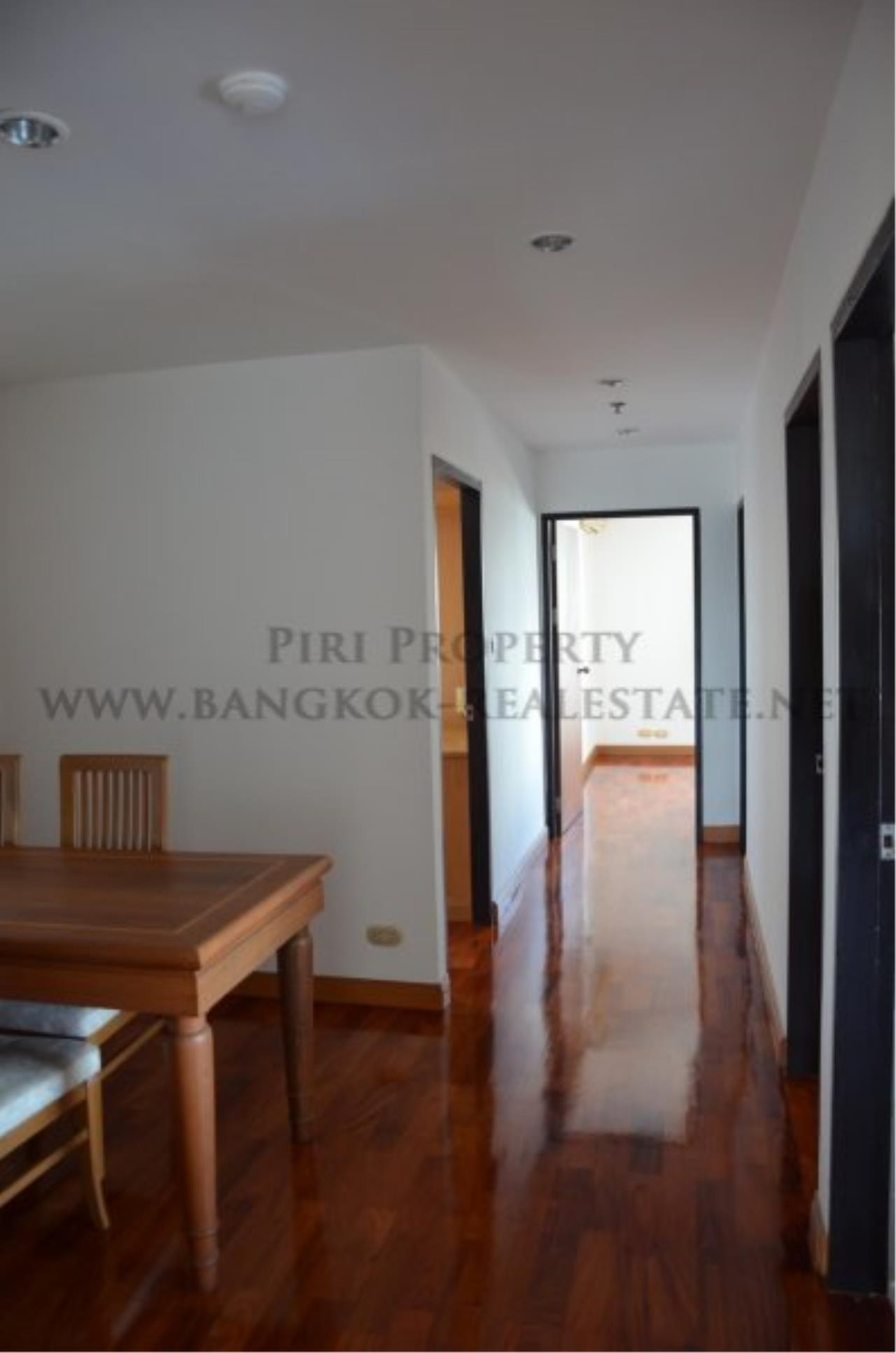 Piri Property Agency's Spacious 3 Bedroom Condo in Ekkamai - 128 SQM for 50K - Top View Tower - 30th Floor 17