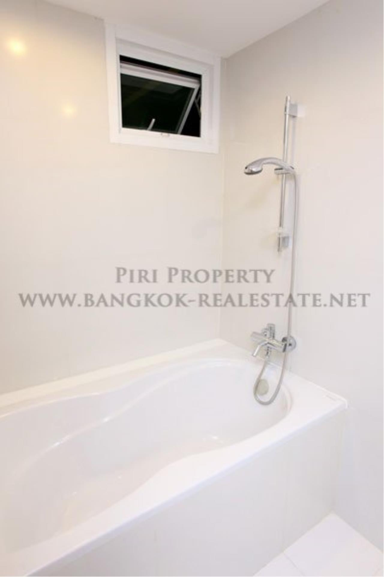 Piri Property Agency's 2 Bedrooms for Rent next to Lumpini Park - Modern Apartment with free shuttle to Ratchadamri 6