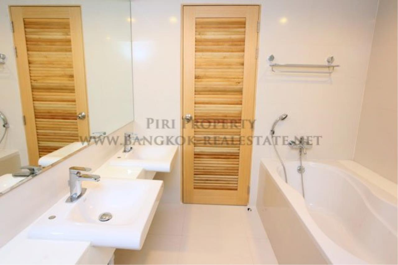 Piri Property Agency's 2 Bedroom Apartment opposite Lumpini Park - Modern Decoration 10