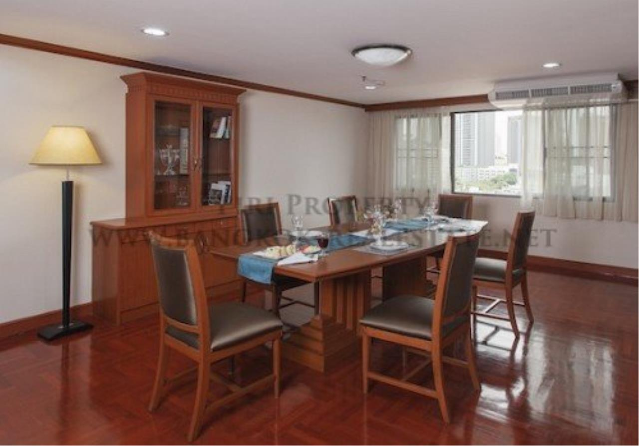 Piri Property Agency's 2 Bedroom Apartment with 212 SQM in Phrom Phong - 55K 2