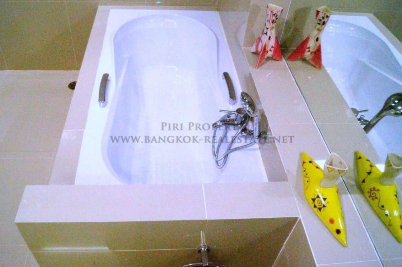 Piri Property Agency's Exclusive Condo Unit near Lumpini Park - 3 Bedrooms - Fully renovated 7