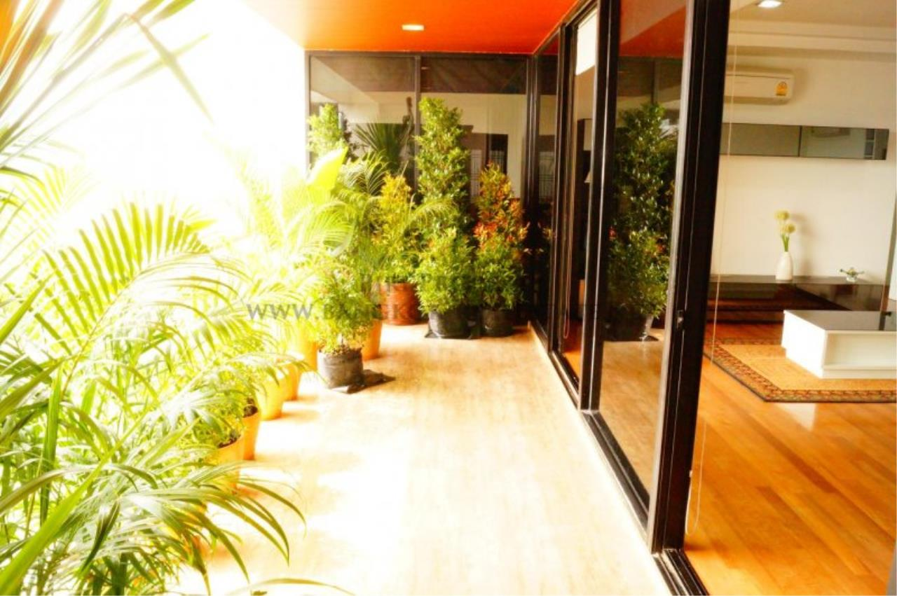 Piri Property Agency's Exclusive Condo Unit near Lumpini Park - 3 Bedrooms - Fully renovated 5