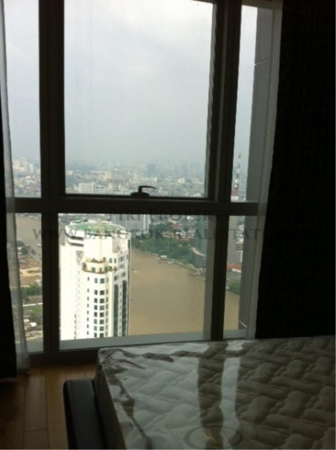Piri Property Agency's 2 Bedroom Condo on Super High Floor - The River Condo 4