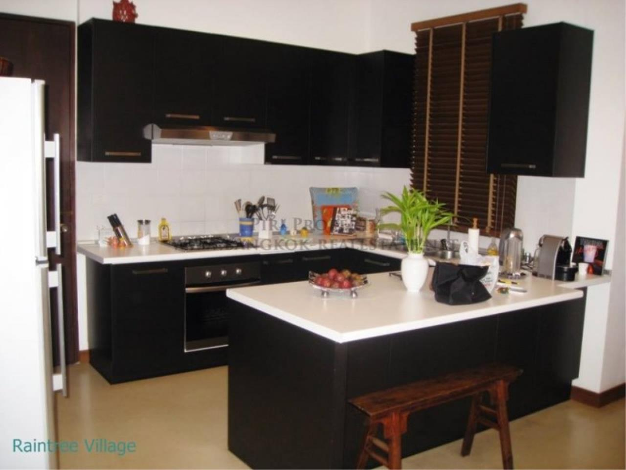 Piri Property Agency's Townhouse Apartment nearby Emporium for Rent - 3 plus 1 Bedroom 18