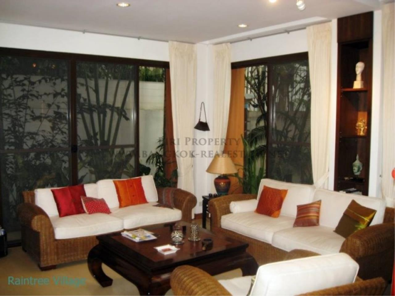 Piri Property Agency's Townhouse Apartment nearby Emporium for Rent - 3 plus 1 Bedroom 7