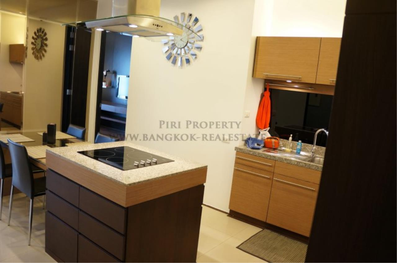 Piri Property Agency's Modern 2 Bedroom Condo in Asoke for Rent - 1 minute to the BTS station 5