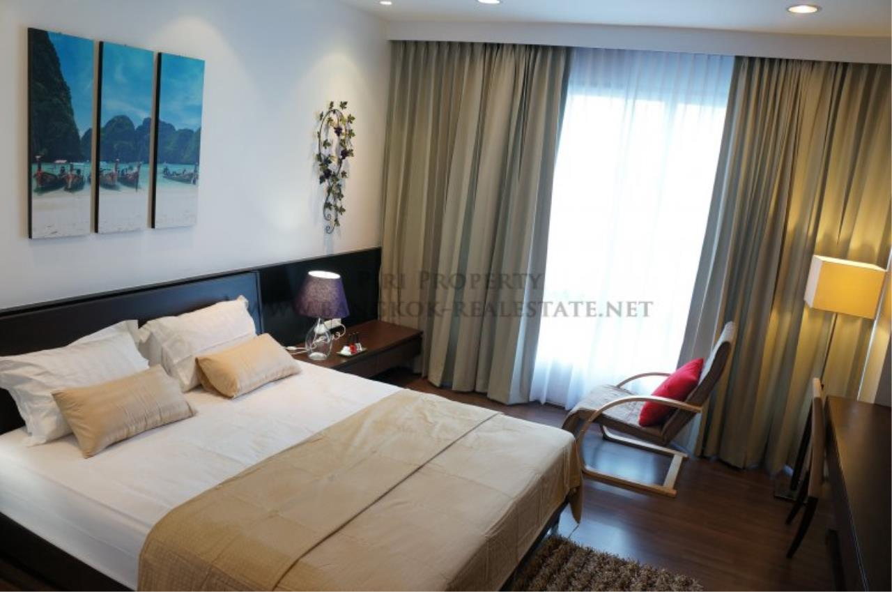 Piri Property Agency's Modern 2 Bedroom Condo in Asoke for Rent - 1 minute to the BTS station 1