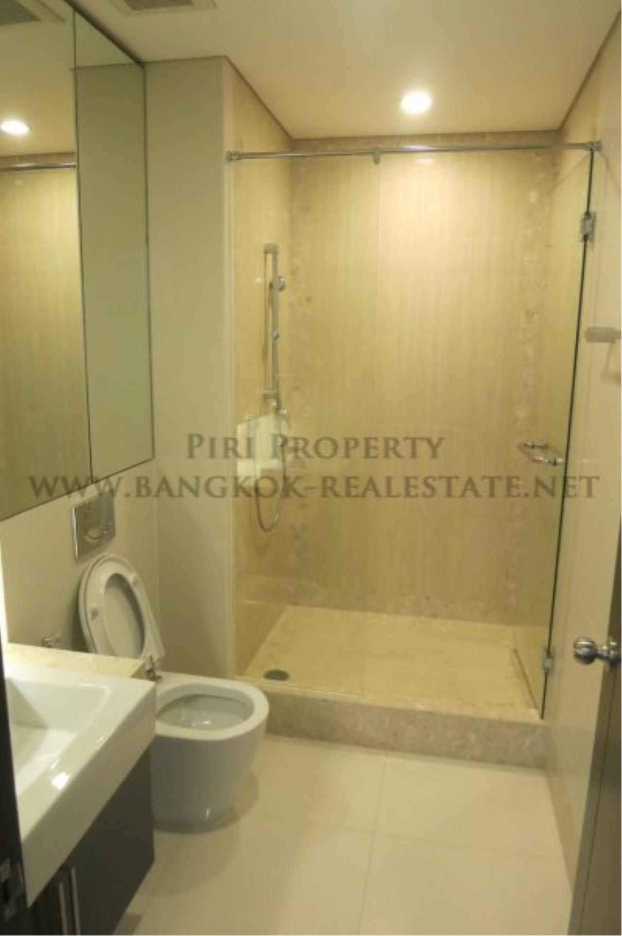 Piri Property Agency's The Park Chidlom - Spacious 3 plus 1 Bedroom Condo on High Floor 16
