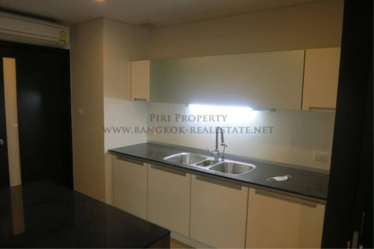 Piri Property Agency's The Park Chidlom - Spacious 3 plus 1 Bedroom Condo on High Floor 7