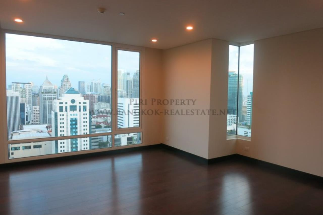 Piri Property Agency's The Park Chidlom - Spacious 3 plus 1 Bedroom Condo on High Floor 1