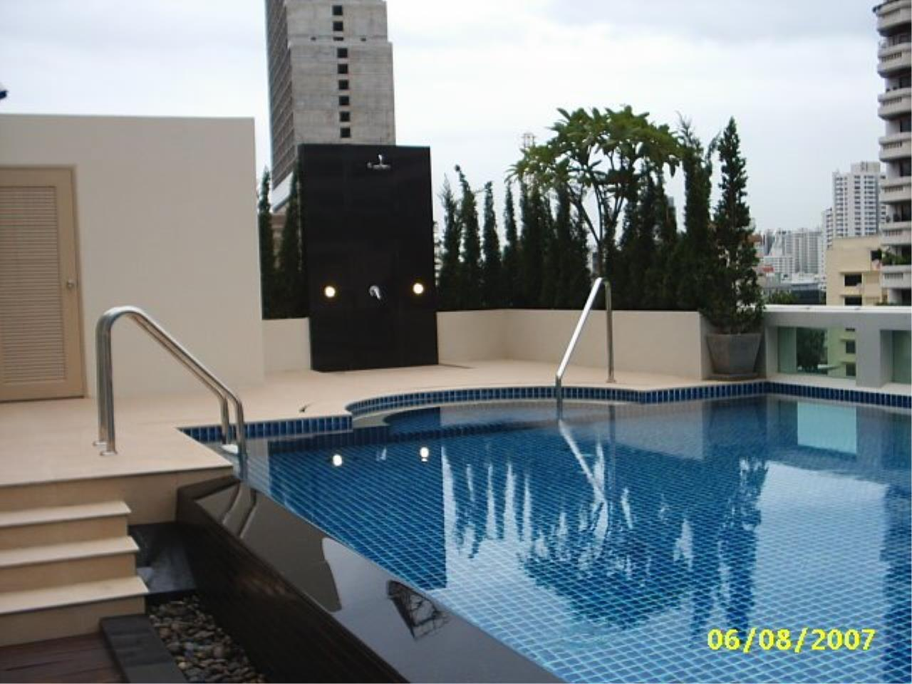 Piri Property Agency's Modern 3 Bedroom Condo in D Raj Residences for Rent on Mid Floor 3