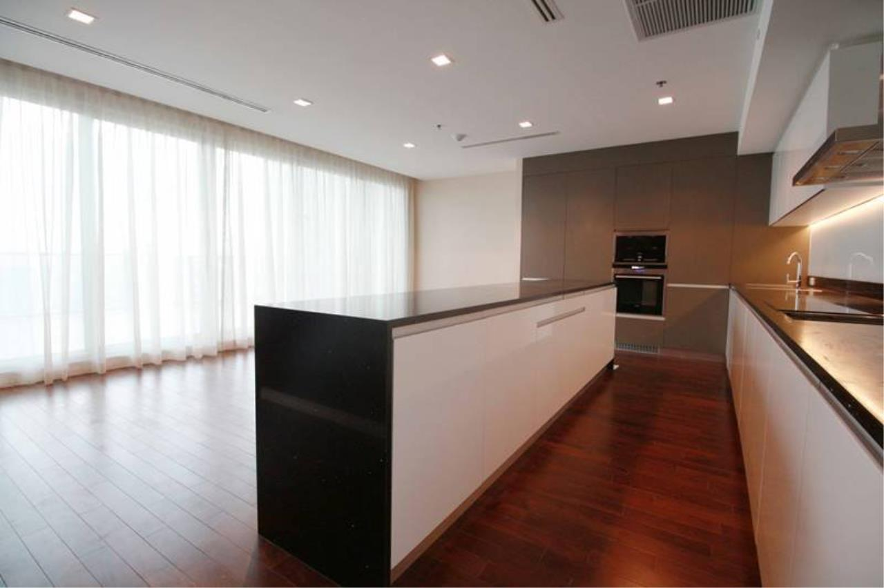 Piri Property Agency's Duplex in The River Condo - Huge 4 Bedroom Condo for Sale - High Floor 17