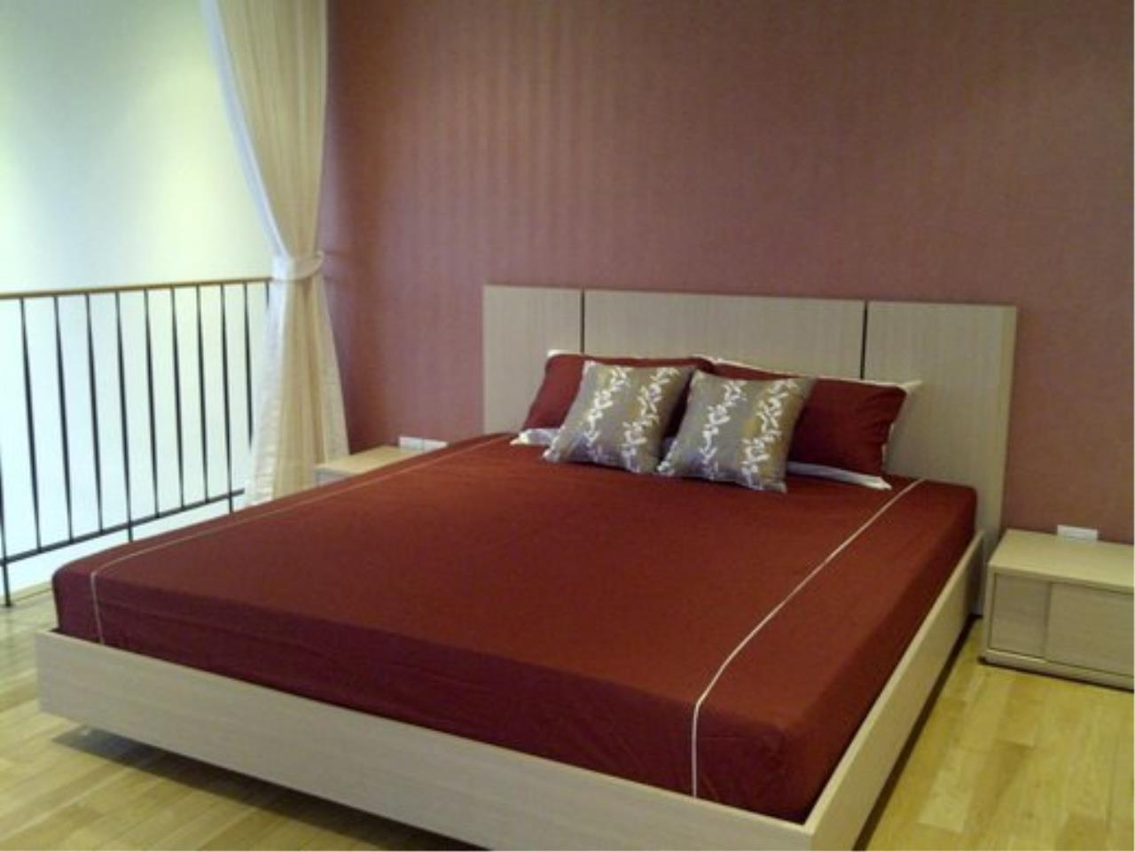 Piri Property Agency's Duplex 1 Bedroom Condo in the Emporio Place building for rent on high floor 10