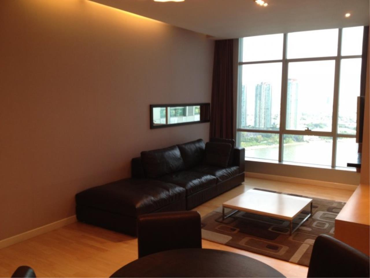 Piri Property Agency's 1 Bedroom in the Baan Sathorn Chaophraya building for rent on high floor 1