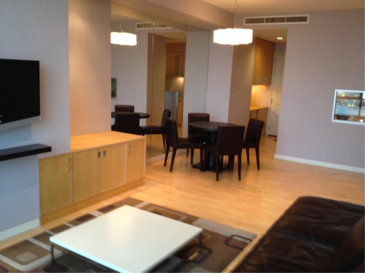 Piri Property Agency's 1 Bedroom in the Baan Sathorn Chaophraya building for rent on high floor 6