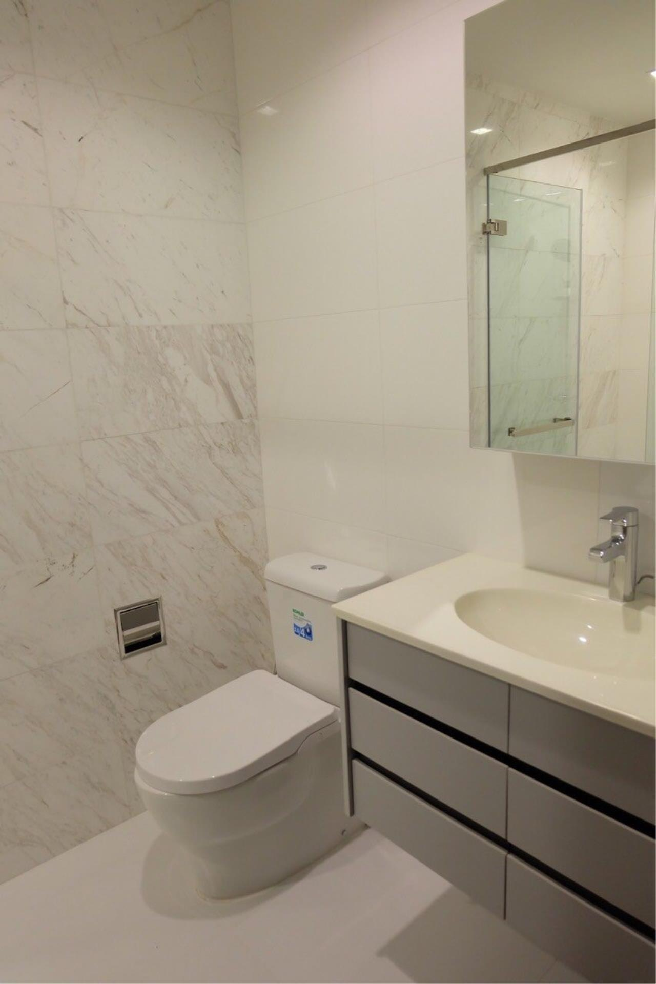 Piri Property Agency's Modern 2 Bedrooms in the HQ Condo for rent on high floor 7