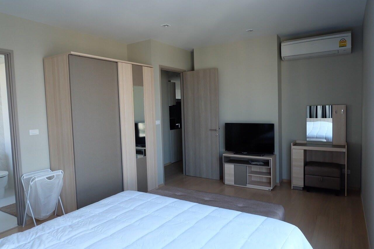 Piri Property Agency's Modern 2 Bedrooms in the HQ Condo for rent on high floor 5