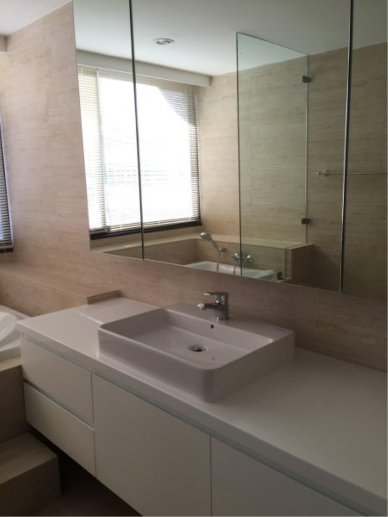 Piri Property Agency's Huge 3 Bedrooms in the Prime Mansion Condo for sale on high floor 10