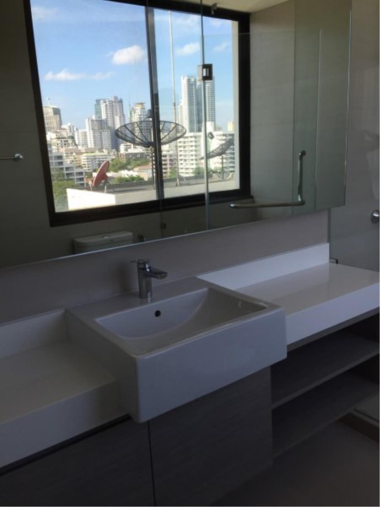Piri Property Agency's Huge 3 Bedrooms in the Prime Mansion Condo for sale on high floor 14