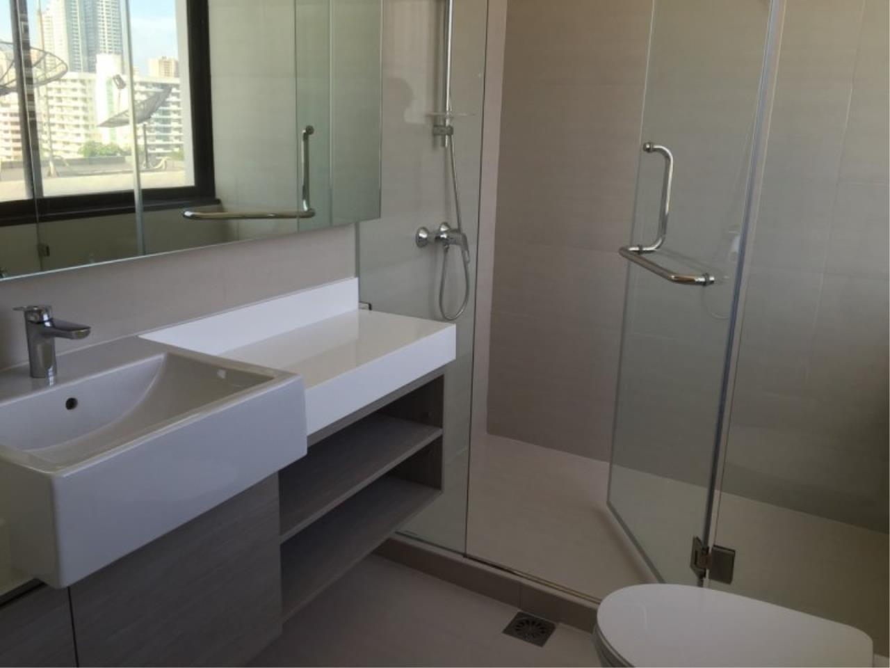 Piri Property Agency's Huge 3 Bedrooms in the Prime Mansion Condo for sale on high floor 15