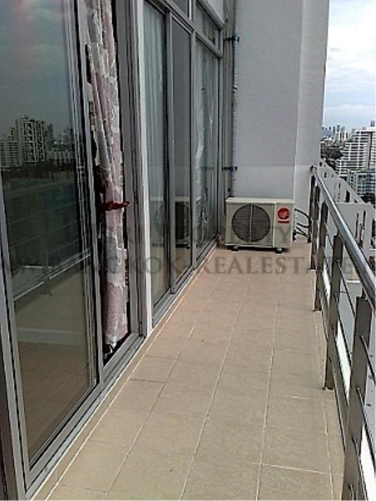 Piri Property Agency's Good View 1 Bedroom Unit next to Soi 11 7